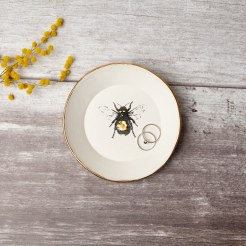Golden bee porcelain ring dish